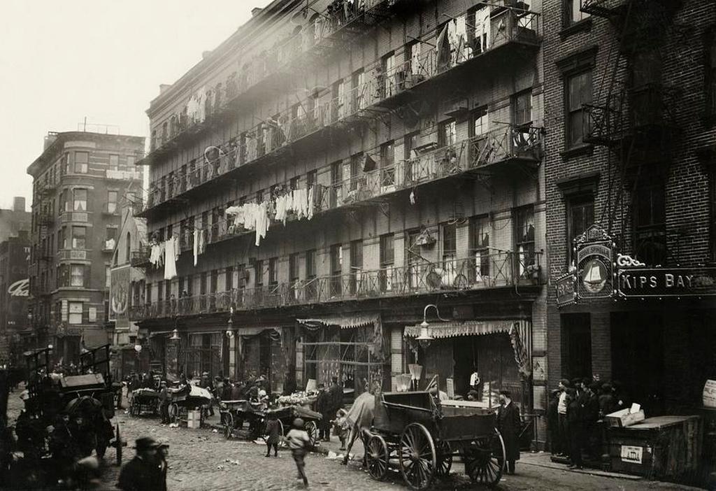 1912_tenement_block_new_york_city.jpg