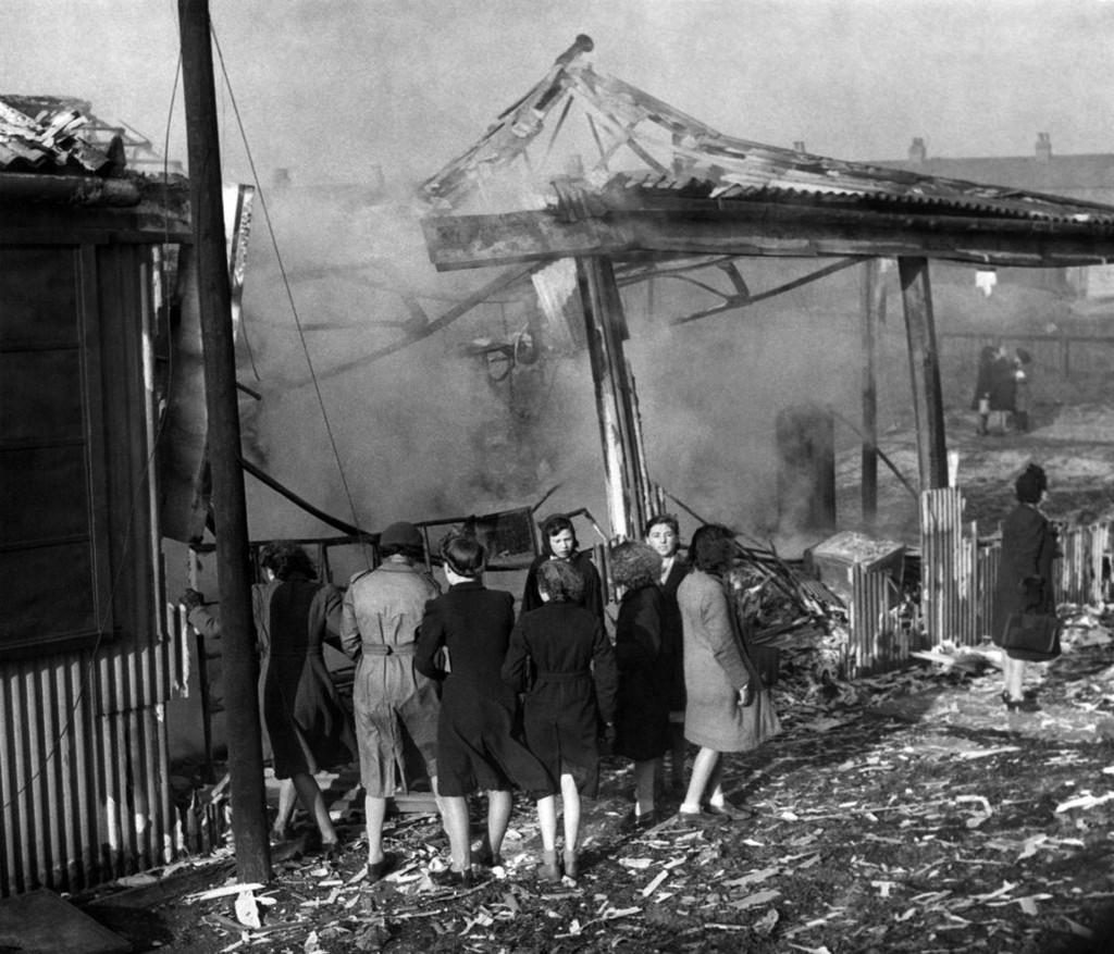 1942_historic_york_victim_of_nazi_raid_the_railway_station_after_the_raid.jpeg