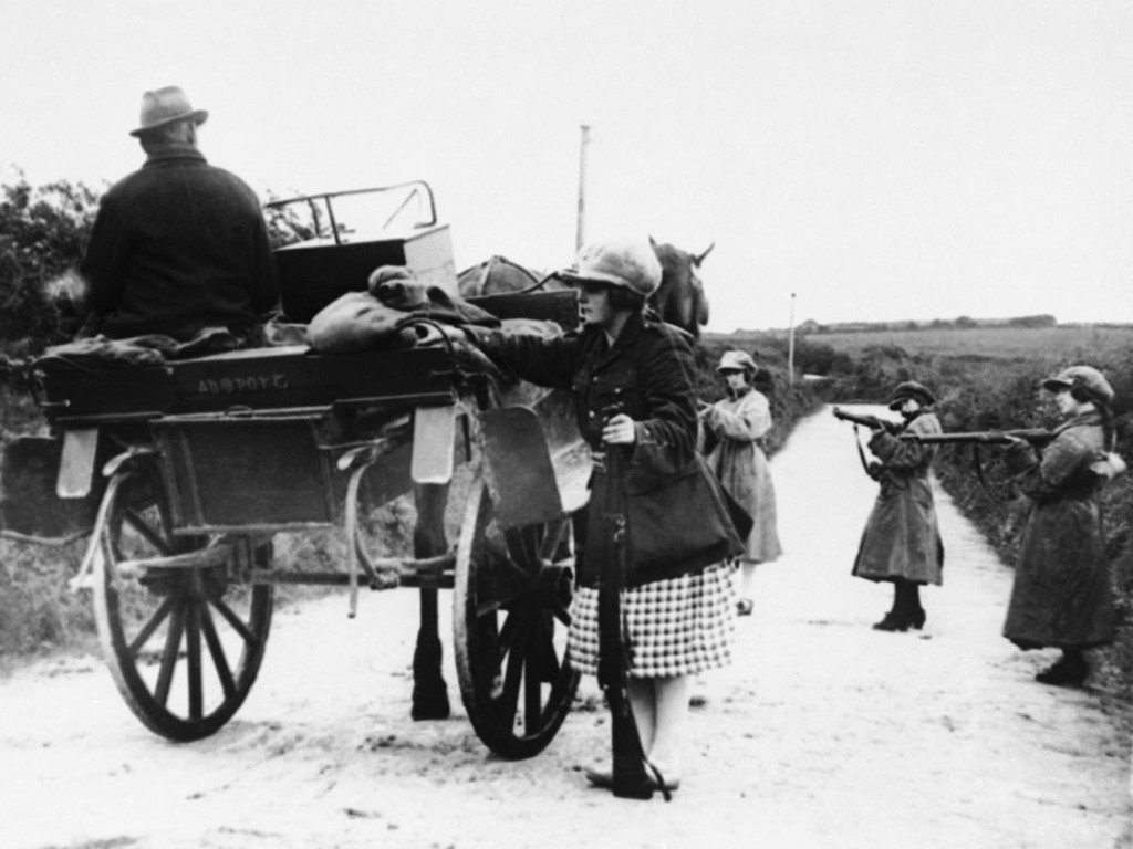 1922_the_holdup_of_a_mail_car_in_western_ireland_by_republican_girl_raiders_who_are_searching_for_government_dispatches1.jpeg