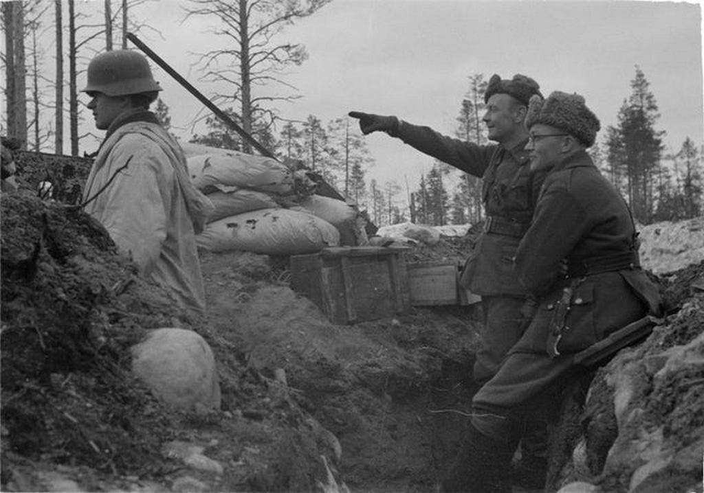 1942_finnish_lieutenant_killed_by_sniper_after_carelessly_observing_soviet_positions_with_his_adjutant_during_the_continuation_war.jpg