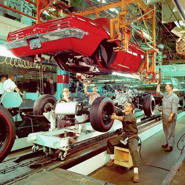 1969_general_motors_assembly_line.jpg