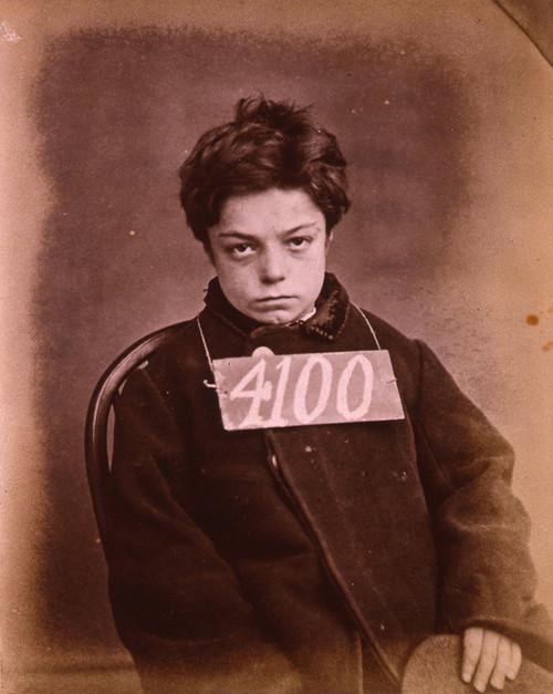 1872. George Davey, 10 éves fiú, akit 1 hónap kényszermunkára ítéltek a Wandsworth börtönben (Liverpool, UK), két nyúl ellopásáért..jpg