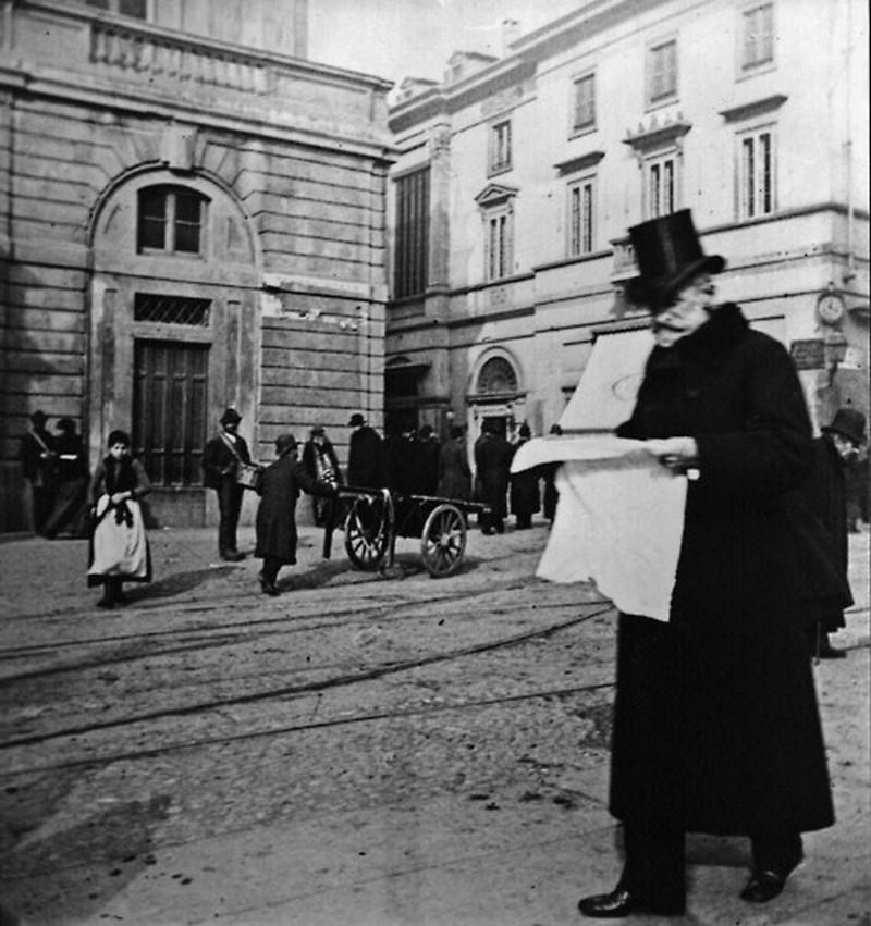 1900. Giuseppe Verdi a milanói Scala előtti téren..jpg