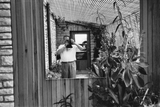 1968. Az egykori jugoszláv államfő, Joszip Broz Tito szelfije..jpg