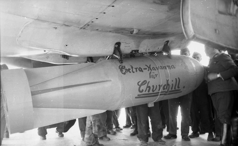 1940. Német bombaüzenet Anglia bombázásakor. Extra Havanna Chuchillnek..jpg