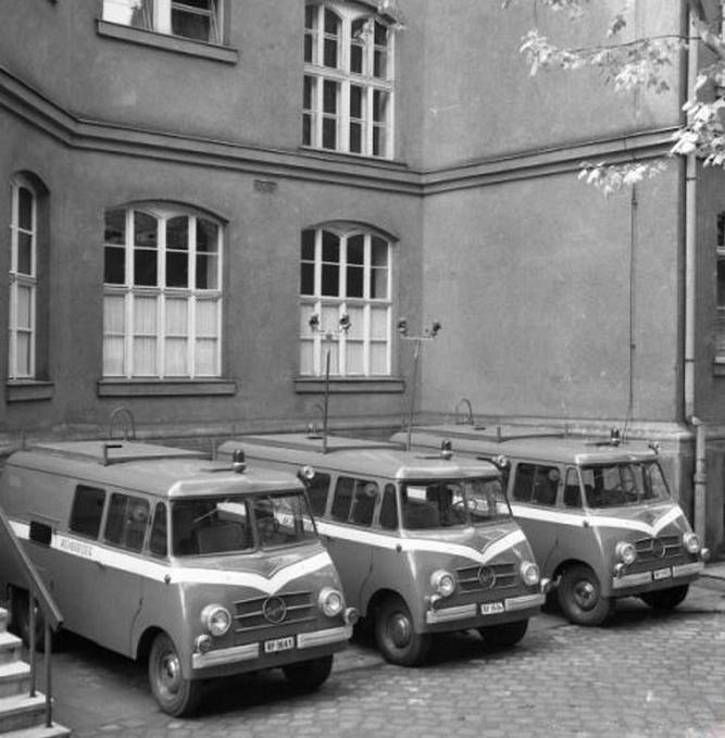 1959. Lengyel Nysa N59 rendőrségi autóbuszok Budapesten._cr.jpg