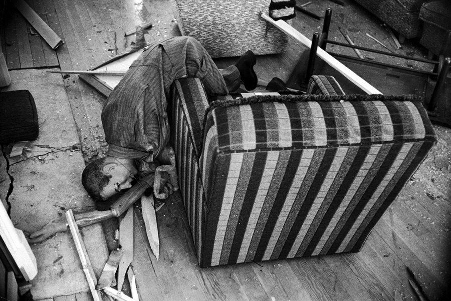 1955. Kísérleti atomrobbantás próbaba áldozata Nevadában. Ilyen bábukat használtak a robbanás hatásainak elemzésére..jpg