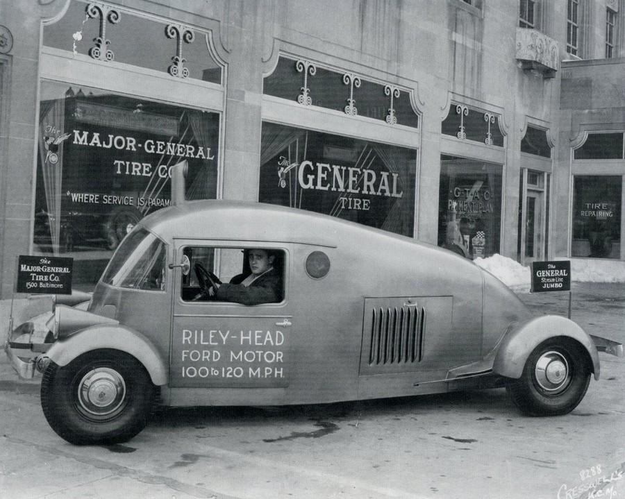 1930-as évek. A Riley könnycsepp..jpg