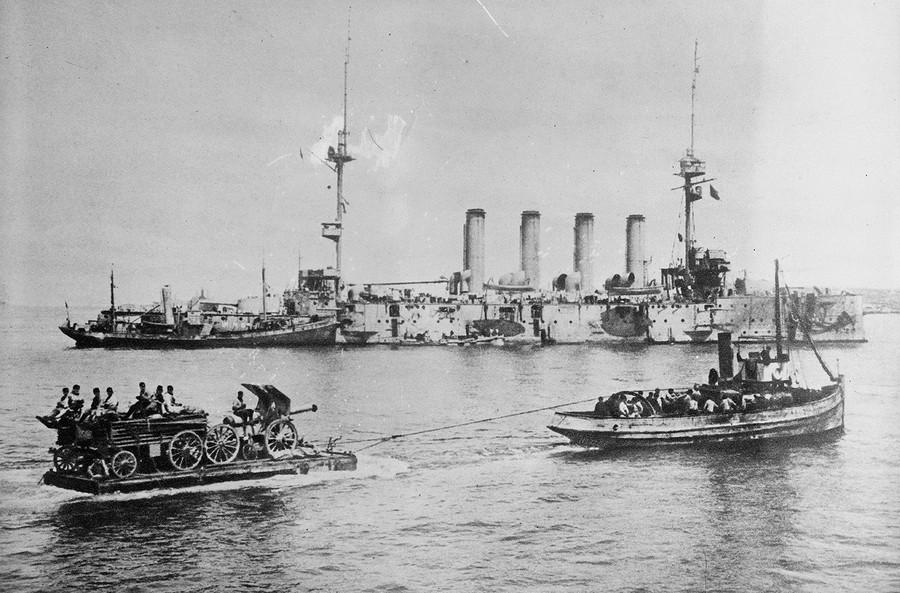 1915. 155 mm-es löveg landol Sedd-el Bahr-nál a Gallipoli-félszigeten Törökországban az első világháborúban..jpg