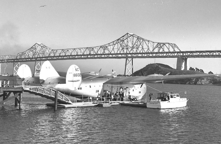 1939. Boeing 314, California Clipper, a Treasure Island-nél, Kaliforniában..jpg