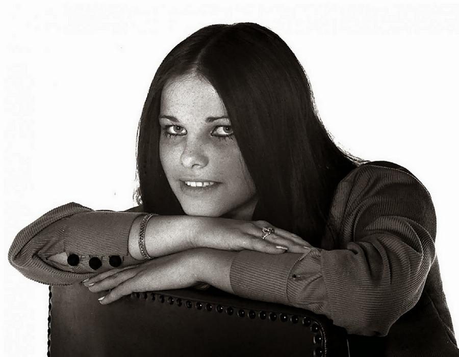 1969. Staller Ilona később Cicciolina 18 évesen, még Magyarországon..jpg