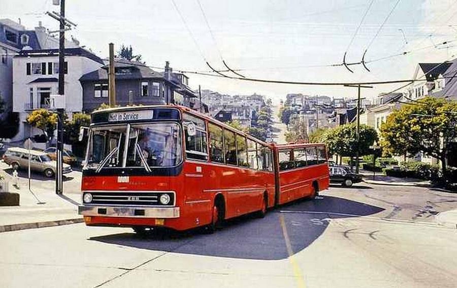 1978. Ikarus 286 csuklós, San Francisco utcáin..jpg
