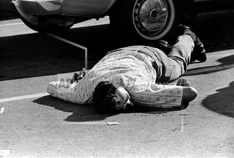1973_fatal_hollywood_drama_pulitzer_anthony_roberts2.jpg