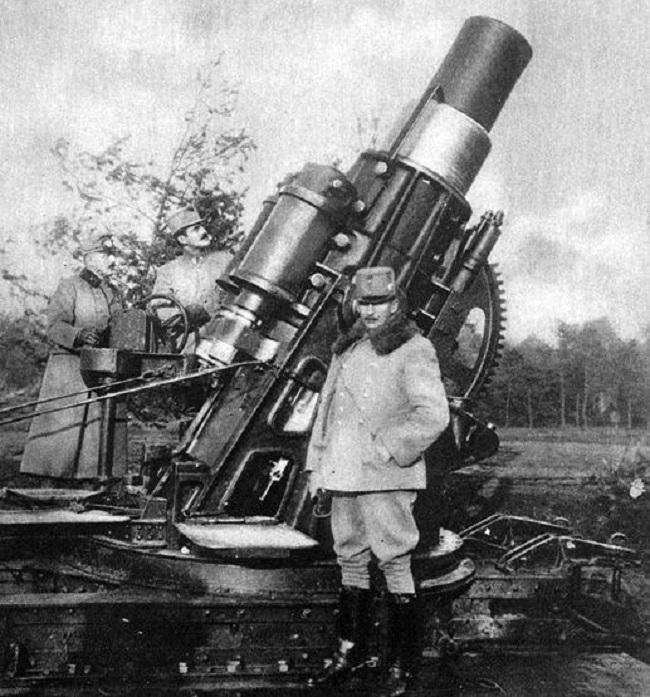 1914_osztrak-magyar_katonak_koda_305mm_loveggel.jpg