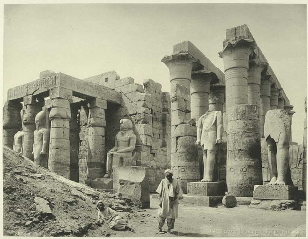 The temple, Ramses statues.jpg