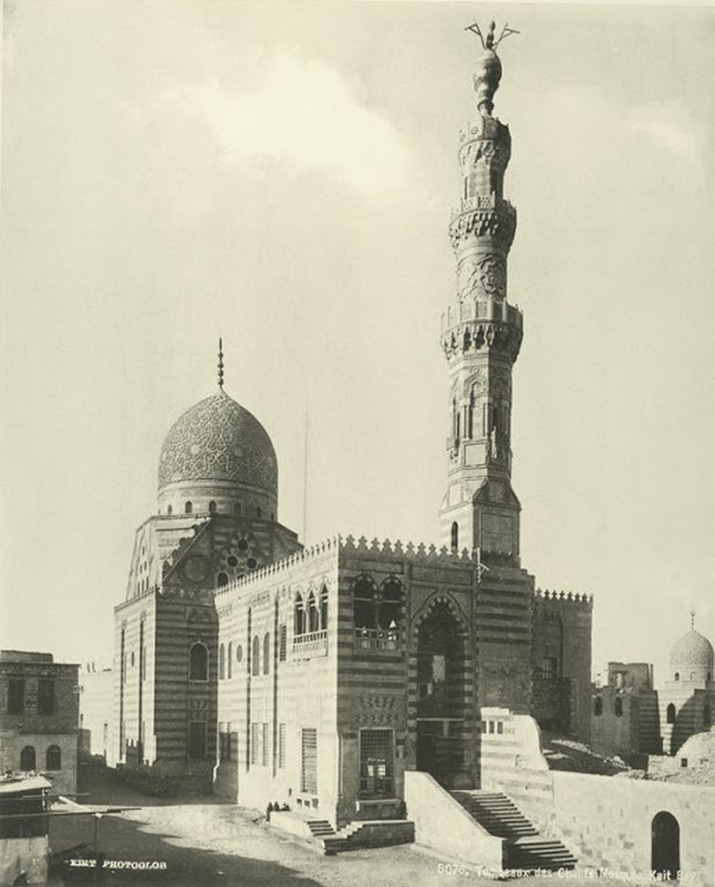 Tombs Chalifs, Kait Bay Mosque.jpg