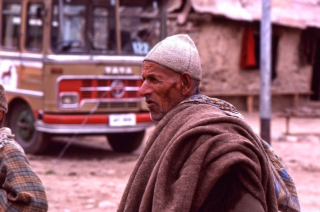 Vale of Kashmir, India, 1982 (12).jpg