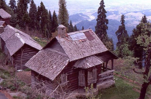 Vale of Kashmir, India, 1982 (27).jpg