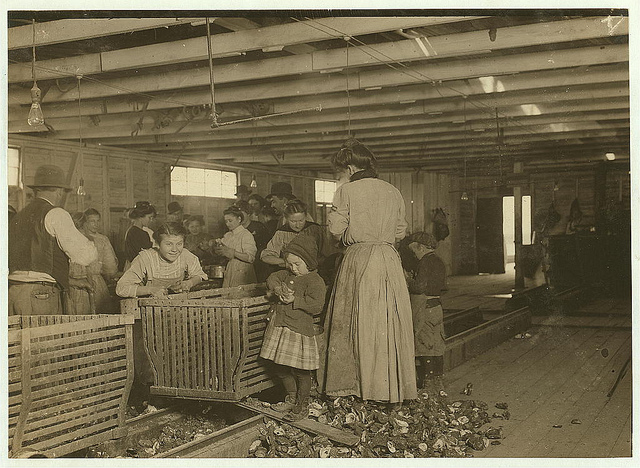 Old Photos of Child Labor between 1908 and 1924 (11).jpg