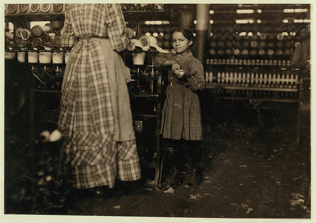 Old Photos of Child Labor between 1908 and 1924 (12).jpg