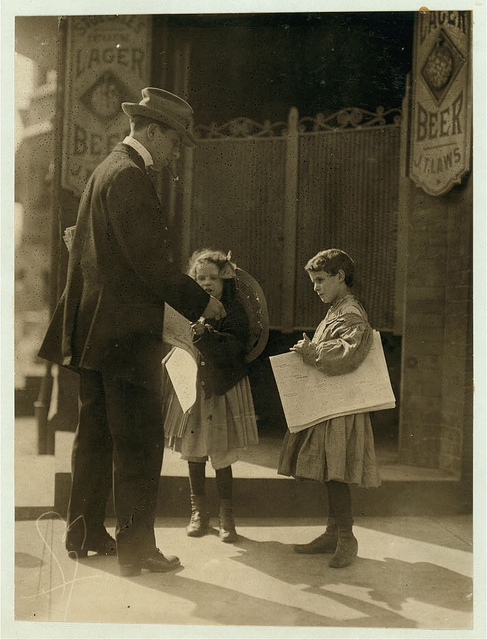 Old Photos of Child Labor between 1908 and 1924 (16).jpg