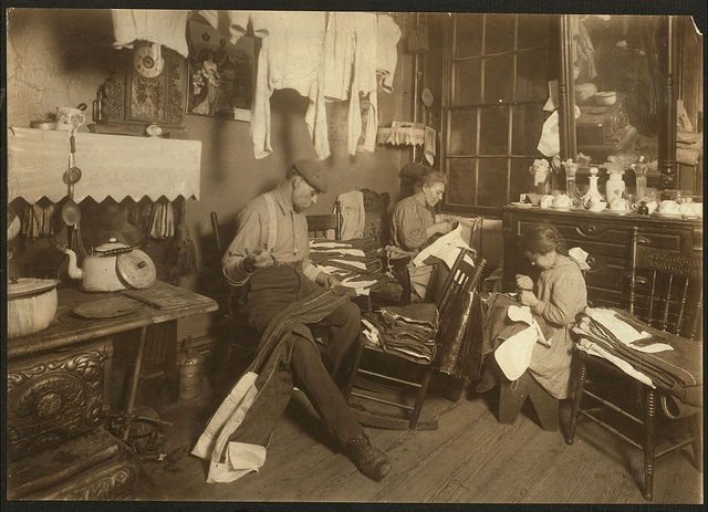 Old Photos of Child Labor between 1908 and 1924 (20).jpg