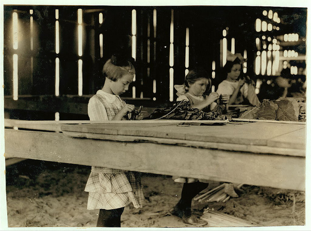 Old Photos of Child Labor between 1908 and 1924 (23).jpg