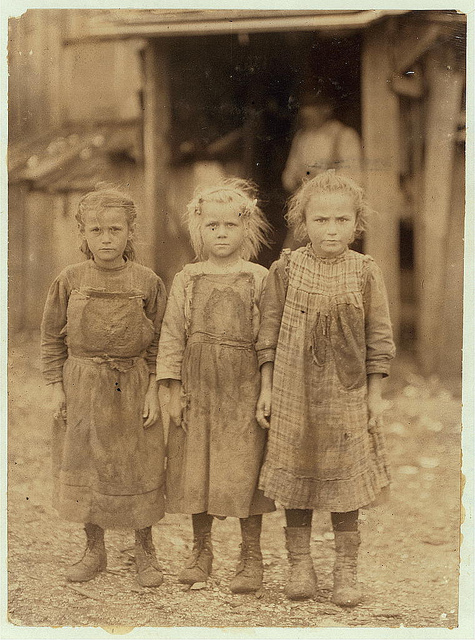Old Photos of Child Labor between 1908 and 1924 (40).jpg