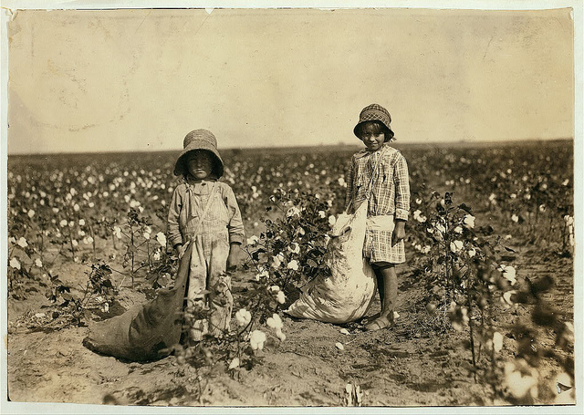 Old Photos of Child Labor between 1908 and 1924 (44).jpg