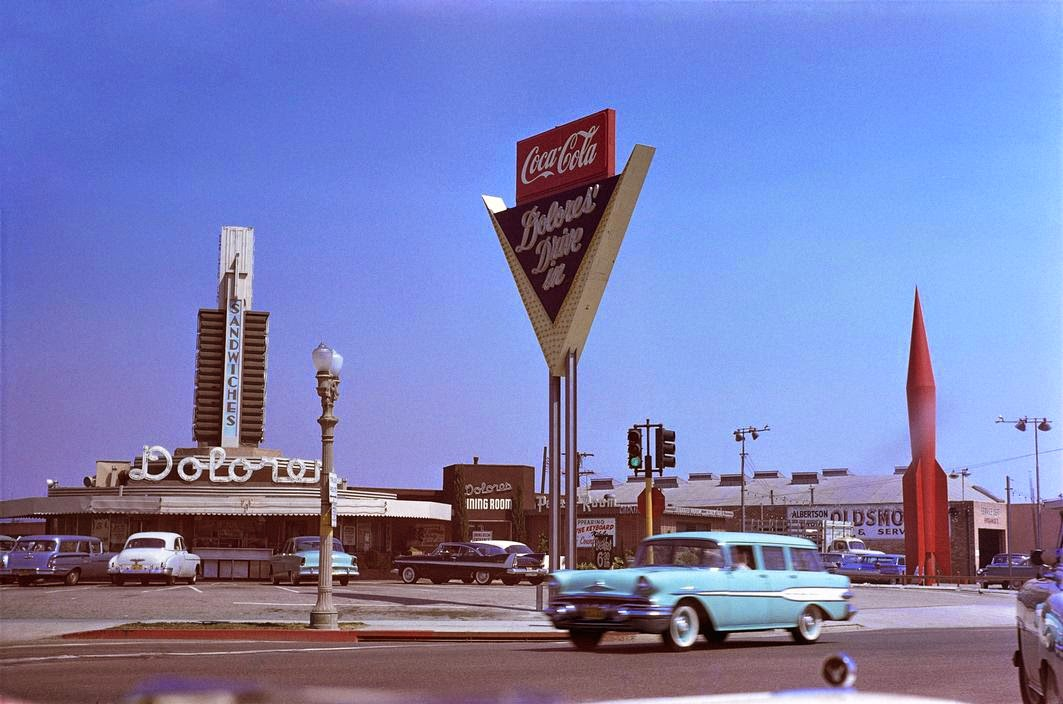 daily_life_in_color_in_the_1950s_13.jpg