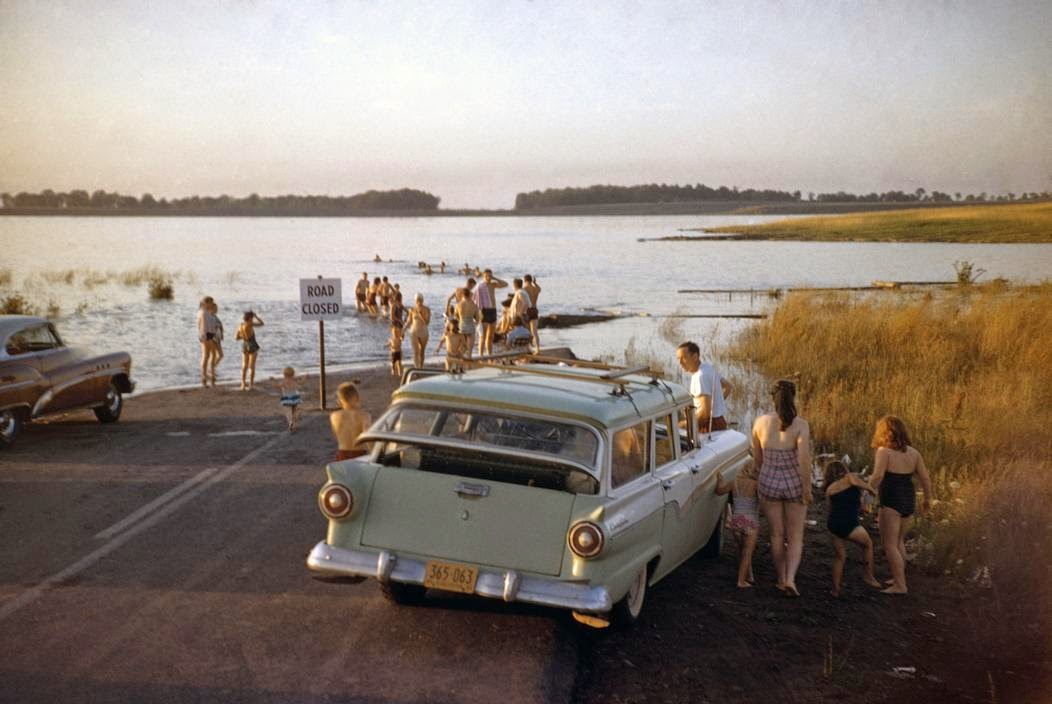 daily_life_in_color_in_the_1950s_20.jpg