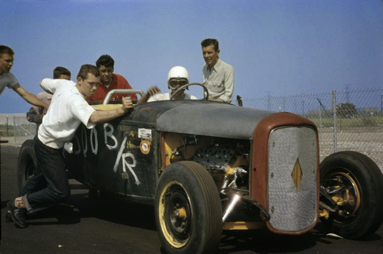 daily_life_in_color_in_the_1950s_26.jpg