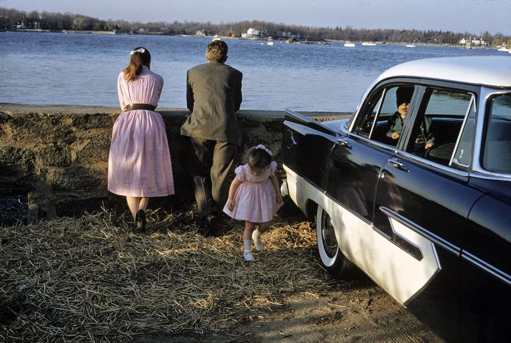 daily_life_in_color_in_the_1950s_29.jpg