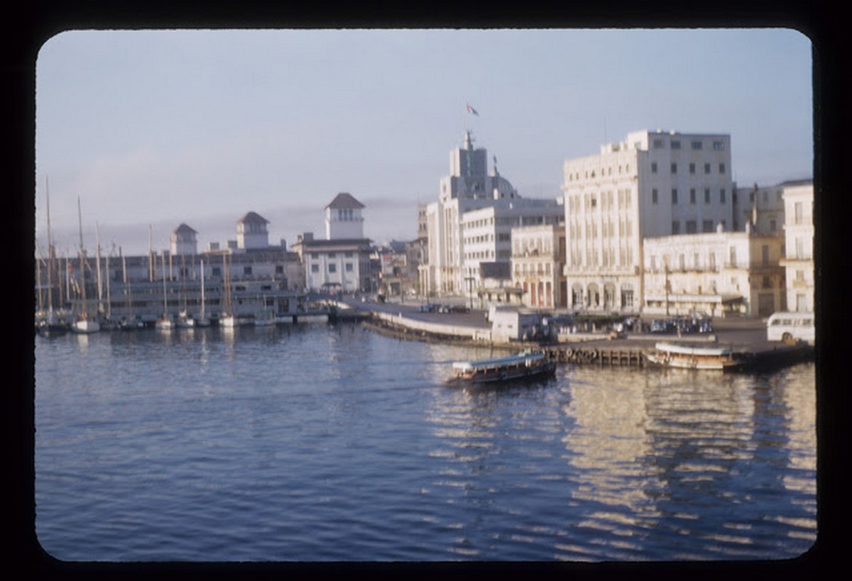 everyday_life_of_cuba_in_the_1950s_2842_29.jpg