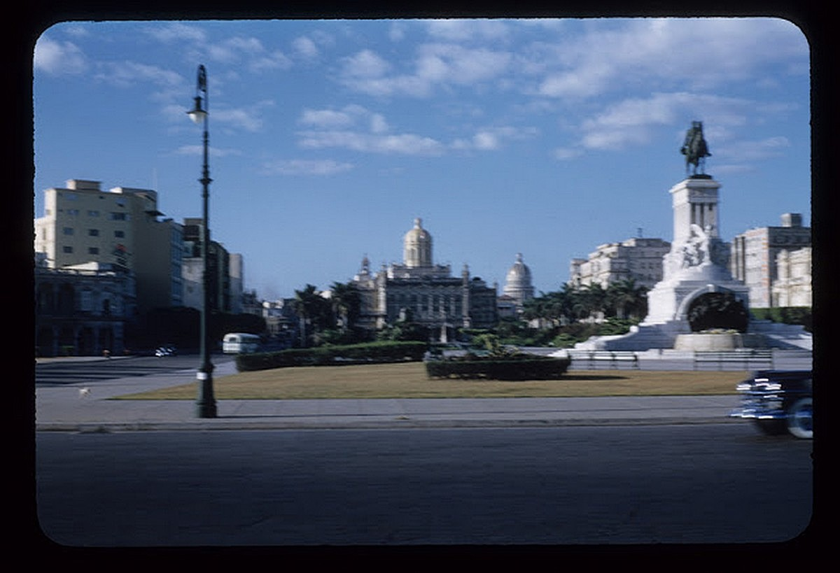 everyday_life_of_cuba_in_the_1950s_284_29.jpg