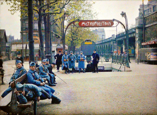 Rare Color Photography of Early 1900s Paris (19).jpg