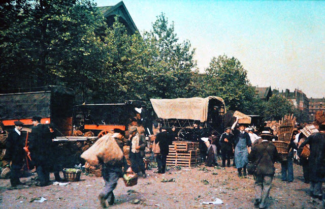 Rare Color Photography of Early 1900s Paris (23).jpg