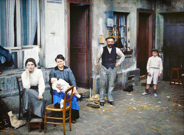 Rare Color Photography of Early 1900s Paris (27).jpg