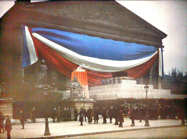 Rare Color Photography of Early 1900s Paris (34).jpg