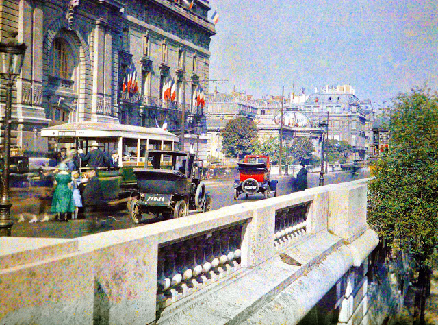 Rare Color Photography of Early 1900s Paris (37).jpg
