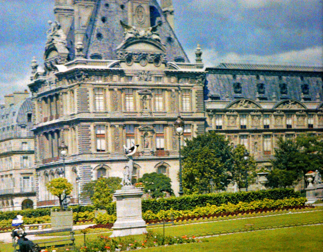 Rare Color Photography of Early 1900s Paris (41).jpg