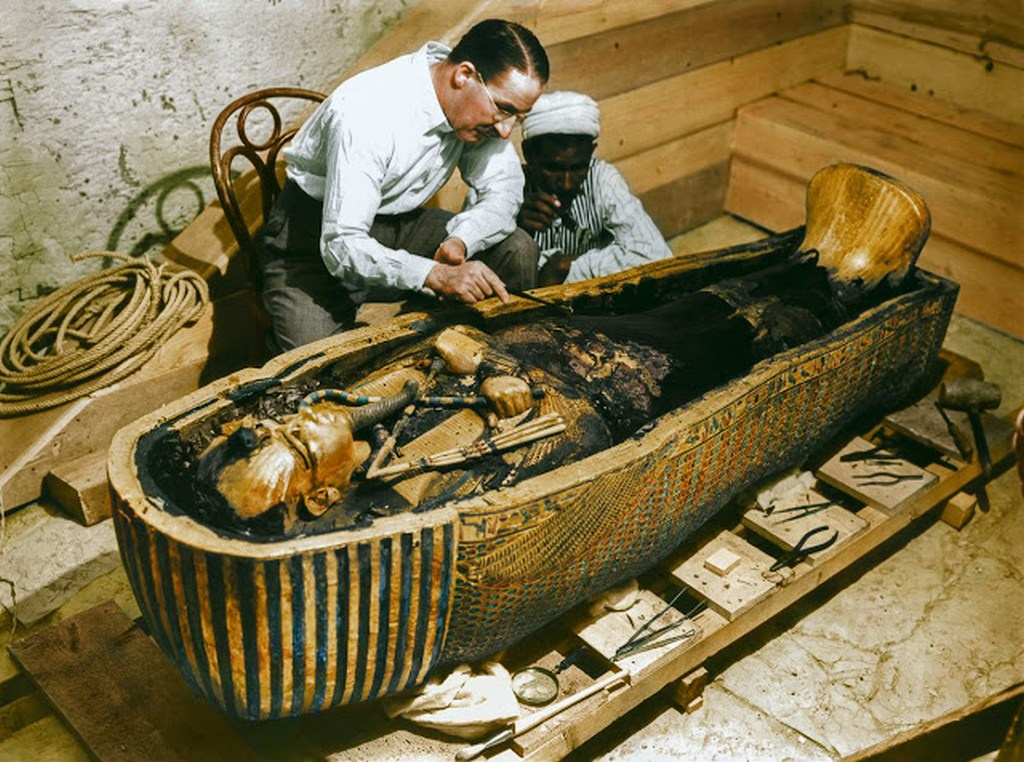 discovering_tutankhamun_in_color_287_29.jpg