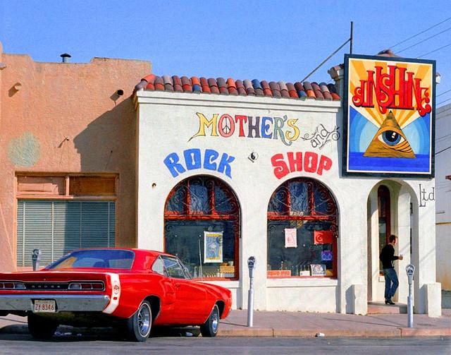 Street Life of Americans in The 1970s (10).jpg