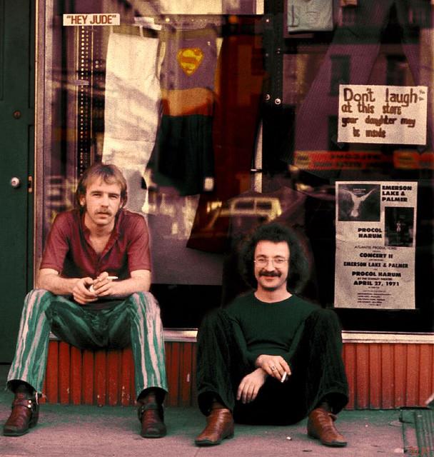 Street Life of Americans in The 1970s (12).jpg