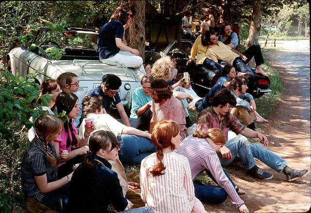 Street Life of Americans in The 1970s (4).jpg