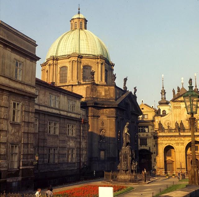 Prague 1975 (14).jpg