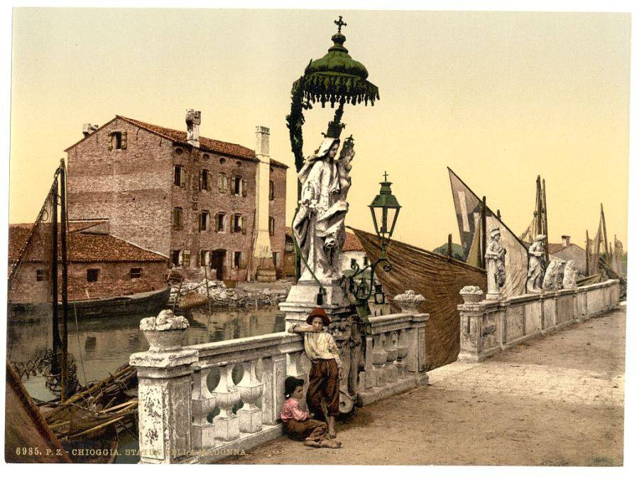 Chioggia—statue of the Madonna.jpg