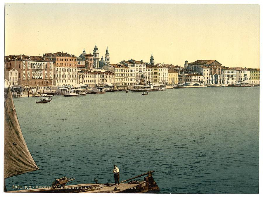 Hotels on the Schiavoni.jpg
