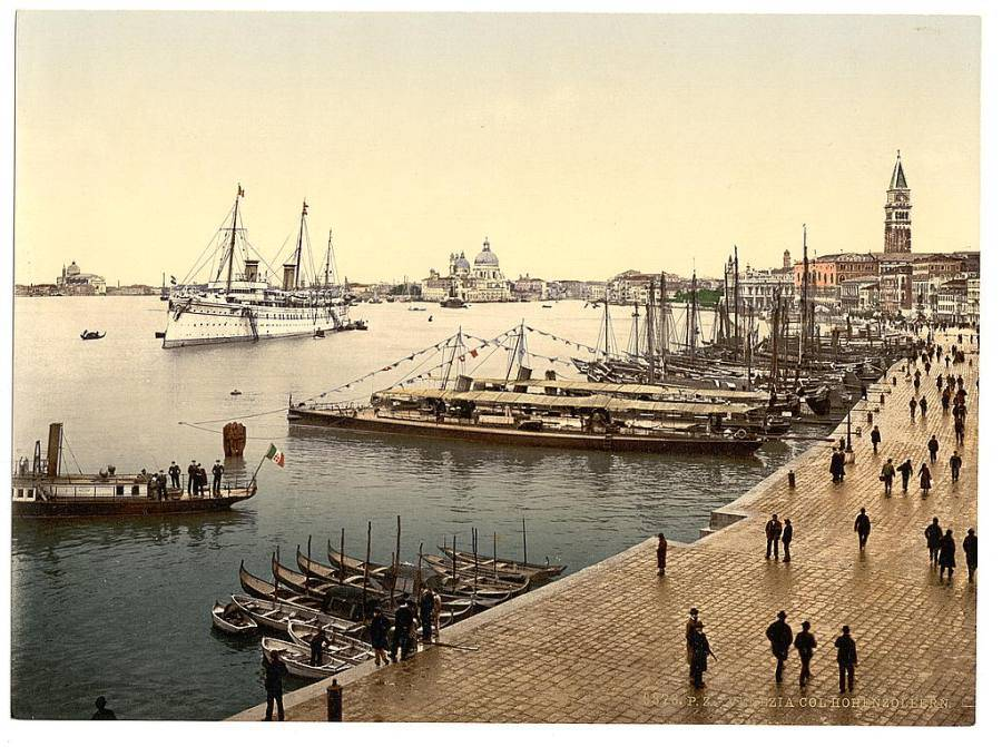 The Hohenzollern in Venice Harbor.jpg