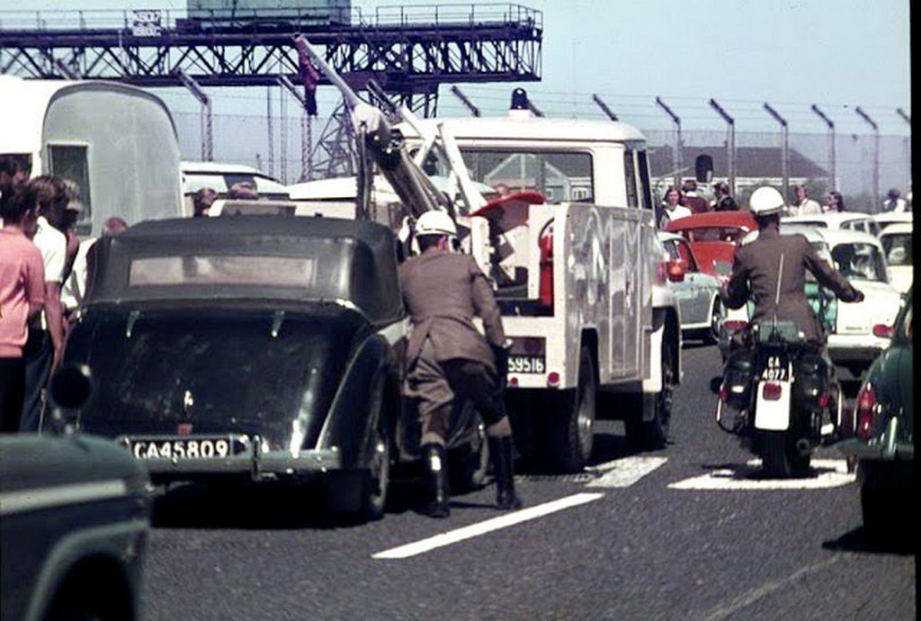 1971_traffic_police_on_the_job.jpg